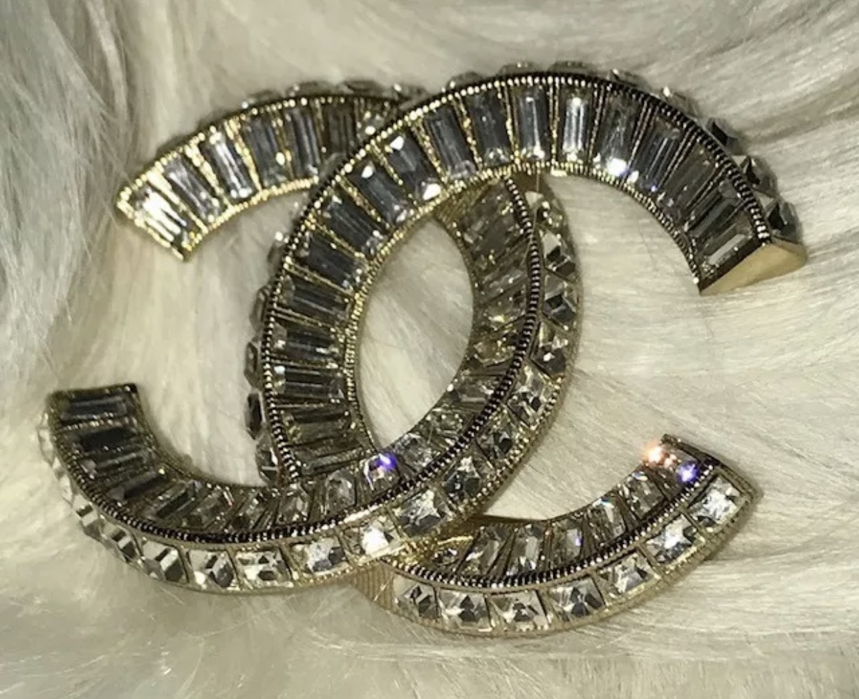 AUTHENTIC CHANEL Baguette Crystal Large CC Light Gold Brooch Pin MINT image 4