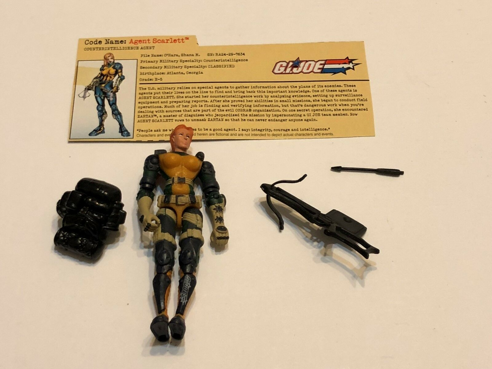 2002 G.I. JOE Action Figure Agent Scarlett ( Ref # 4-14 )