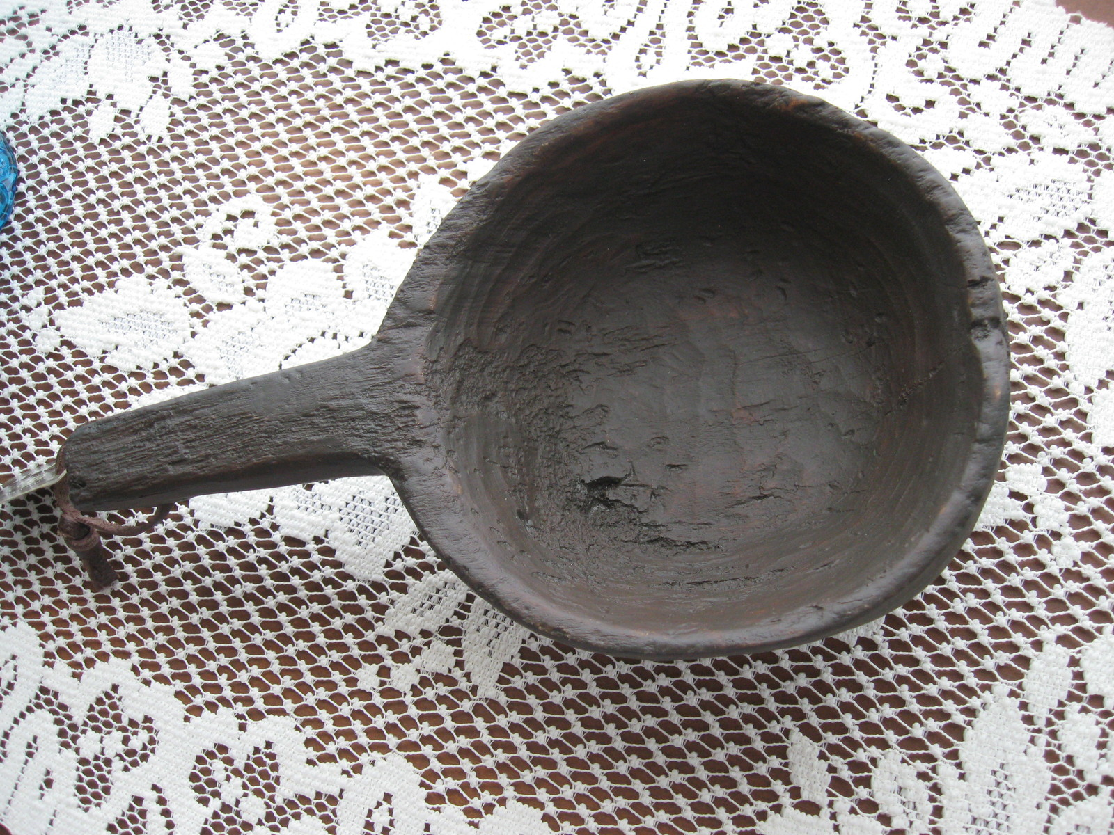 Decorative Resin Kitchen Scoop/Spoon - Country/Primitive/Rustic - Leather Hanger