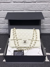 NEW AUTH Chanel 2019 White Quilted Caviar Leather MEDIUM DOUBLE FLAP BAG GHW