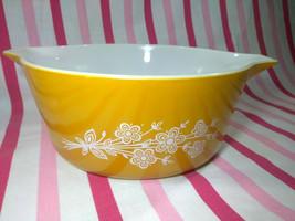 FAB Vintage 70's MOD Pyrex Butterfly Casserole Dish • 475-B - $18.00