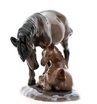 Hagen-Renaker Specialties Ceramic Horse Figurine Mustang Mare with Colt image 2