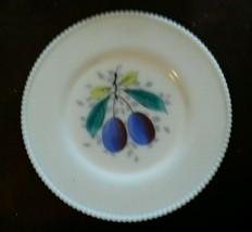 Westmoreland Milk Glass Beaded Edge Fruit Dinner Plates 10.5 Inch Plum - $25.29