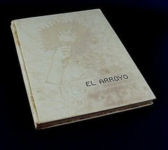 Vintage 1943 El Arroyo Harlingen Texas TX High School Yearbook - $23.33