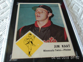 1963  FLEER   #  22    JIM  KAAT   SGC  55    !!  - $24.99
