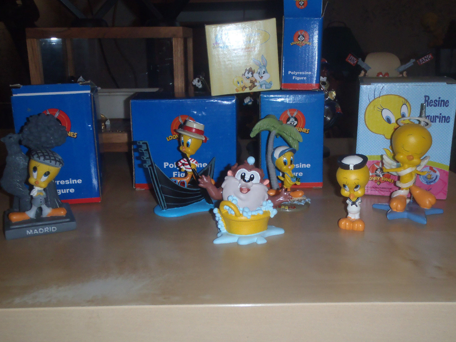 Primary image for Extremely Rare! Looney Tunes Tweety & Baby Taz Collection Small Figurine Statues