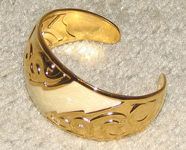 Vintage Costume Jewelry Goldtone/Faux Ivory Cuff Bracelet - $7.95