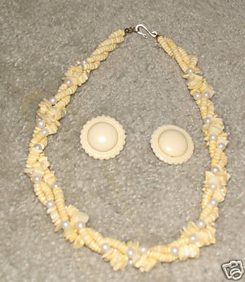 Vintage '80's Shell Necklace & Matching Earrings
