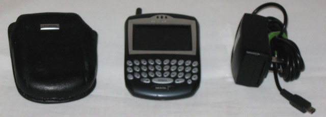 RIM  BlackBerry 7520 Nextel W/ Leather Holster and Charger