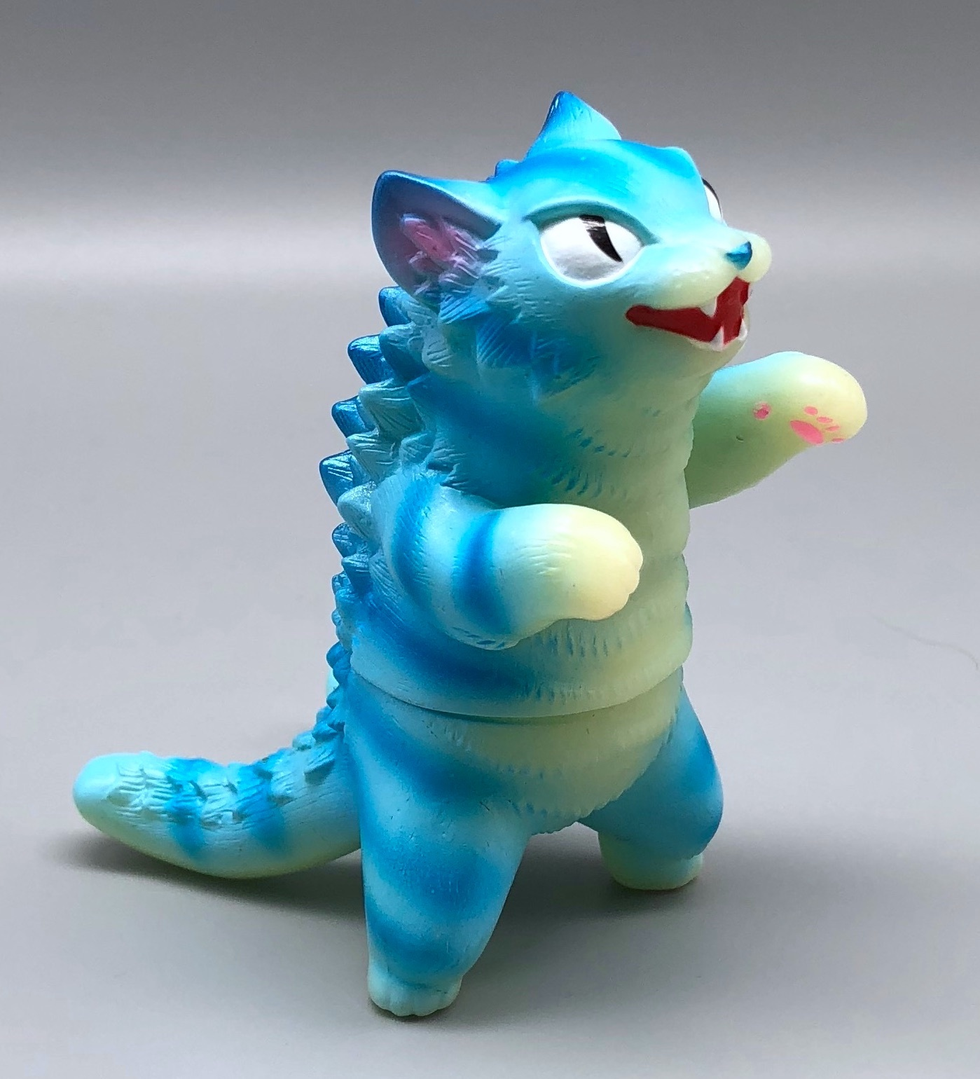 Max Toy GID (Glow in Dark) Blue-Striped Negora