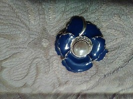 VINTAGE GOLDEN PIN BROOCH FAUX PEARL CENTER PAVE ENAMELLED ROYAL BLUE FL... - $15.00