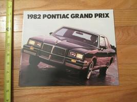 1982 Pontiac Grand Prix Car auto Dealer showroom Sales Brochure - $9.99