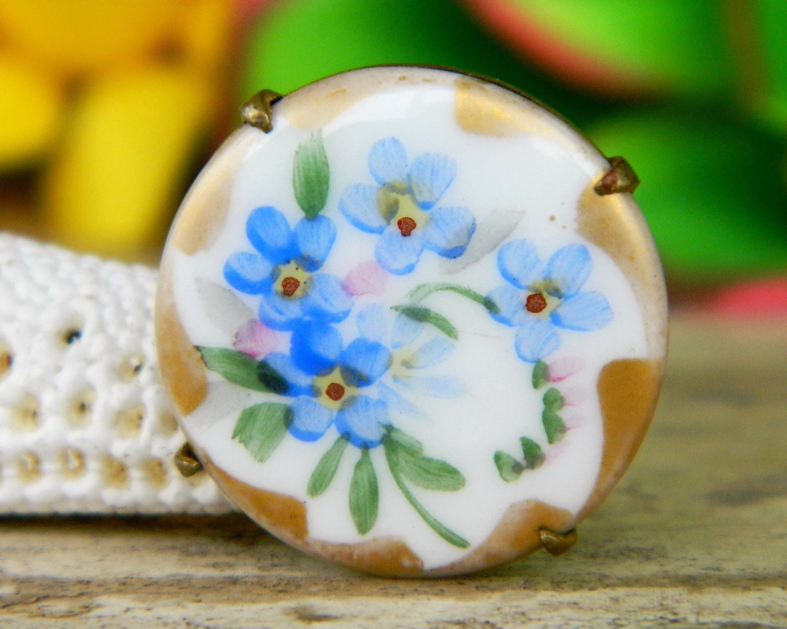 Vintage victorian porcelain brass flowers brooch pin painted gold trim