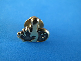 Canada Bowling Club Ball Lapel Hat Pin Souvenir Collector Maple Leaf - $3.95