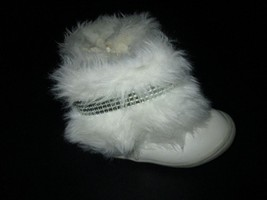 Genuine Baby Size 3 White Faux Fur Boots With Sparkle Bling Size Zip CUTE! - $286,74 MXN