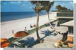 ST. PETERSBURG, FLORIDA/FL POSTCARD, White Sand Beach - $3.50