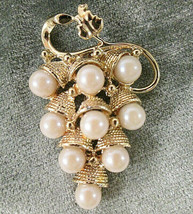"""Vintage Gold Tone & Faux Pearl Cluster of Grapes Brooch Pin 2"""" - $10.00"""