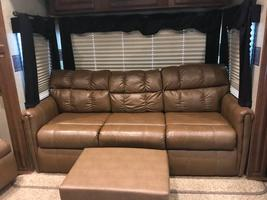2014 Jayco Pinnacle 36' 5th wheel camper For Sale in Mitchell, South Dakota  image 9
