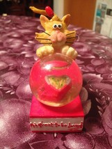 Vintage It's Great To Be Loved Kitty Cat Red Heart Valentine Snow Water ... - $17.99