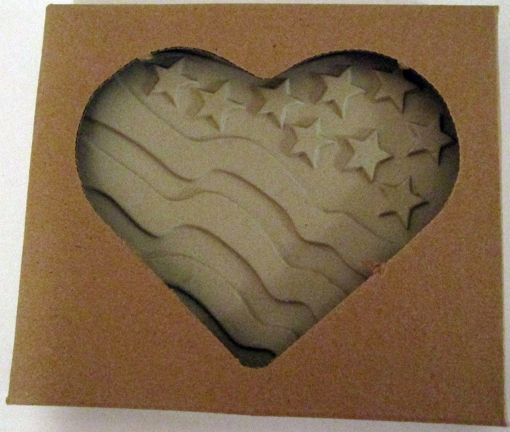 The Pampered Chef 2005 PATRIOTIC HEART Final Edition Cookie Mold – NEW LOT OF 2