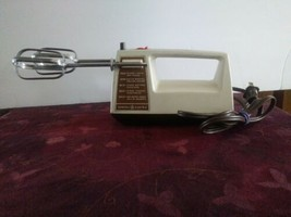 Vintage GE General Electric 5 speed Portable Mixer Model D3m22 - $23.36