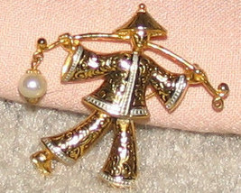 Vintage Costume Jewelry Goldtone Asian Person Pin - $5.29