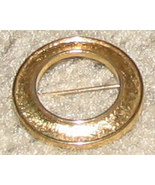 Vintage Costume Jewelry Goldtone Circle Pin - $4.89
