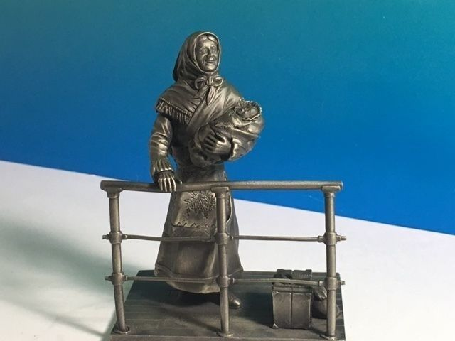 1976 VINTAGE FRANKLIN MINT PEWTER FIGURINE AMERICAN PEOPLE RON HINOTE IMMIGRANT - $24.75