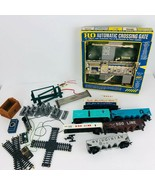 Lot Vintage HO Scale Train Cars Train Accessories Parts Repair 6 Freight... - $49.49