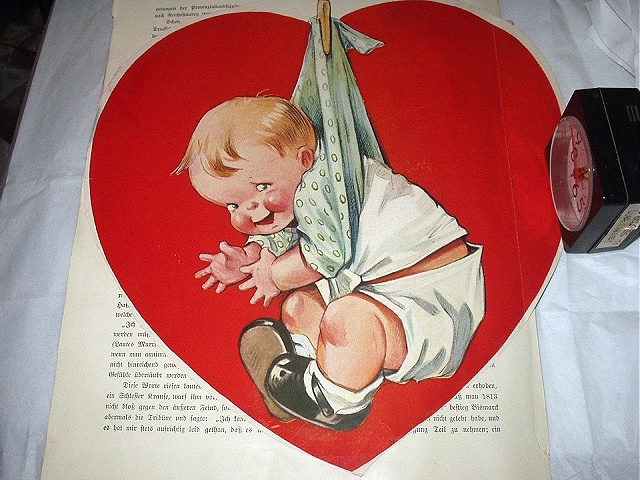 Charming Twelvetrees Large Red Heart with Boy Baby-Magazine