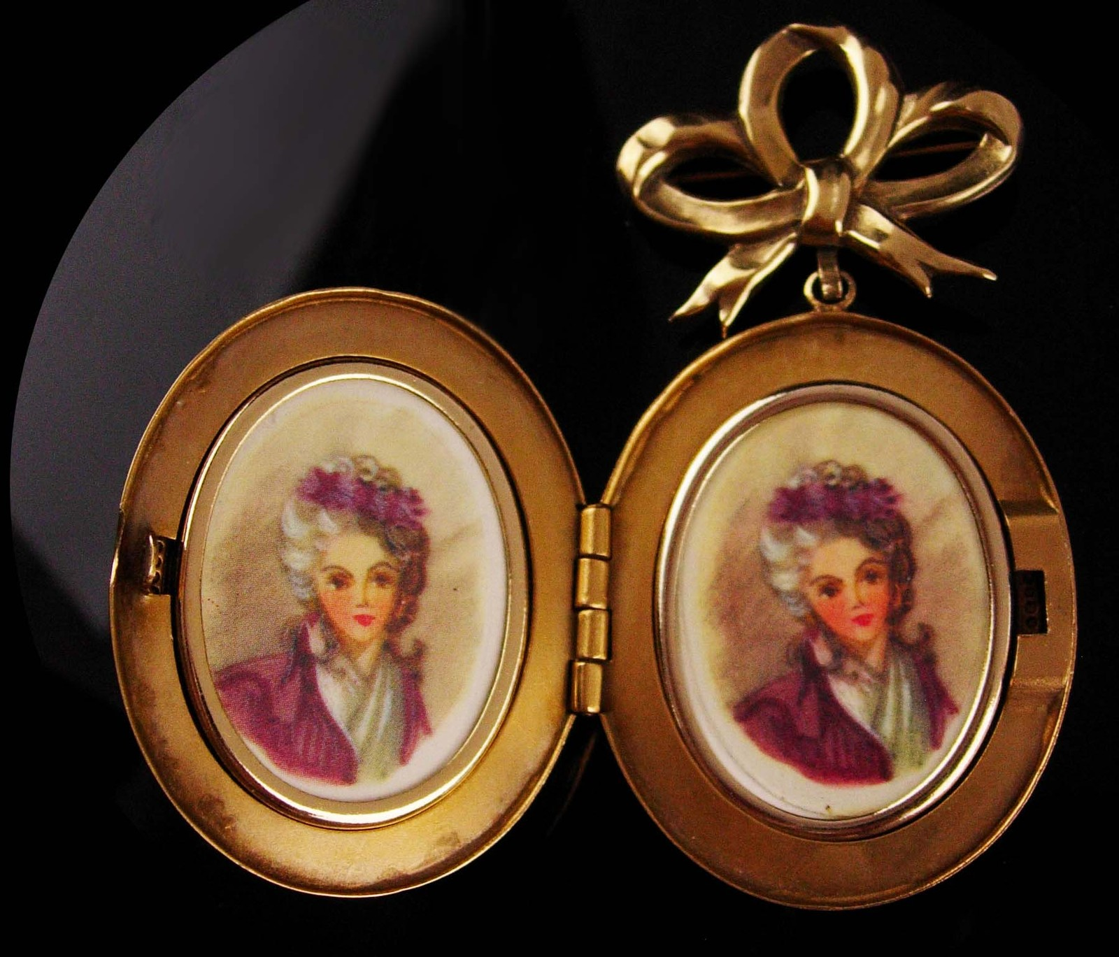 Antique Locket -  BIG heavy photo brooch - victorian pin - sweetheart jewelry -