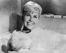 Doris Day In Pillow Talk 16X20 Canvas Giclee - $69.99