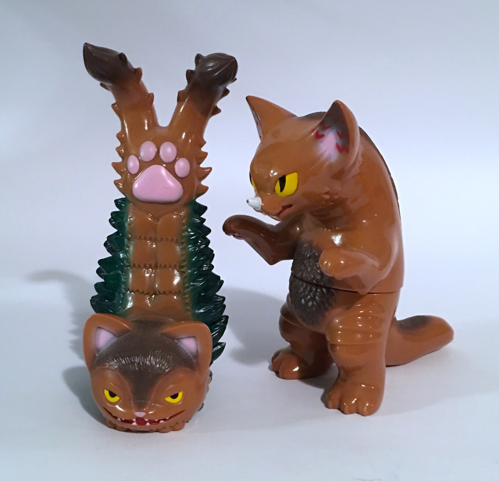 Konatsu Ultra Neko Gomora Twin Tale Brown Set