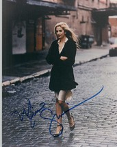 Mira Sorvino Signed Autographed Glossy 8x10 Photo - $29.99