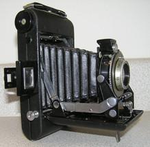 Vintage Kodak Kodamatic Vigilant Six-20 Camera w/ original Leather Case - $37.00