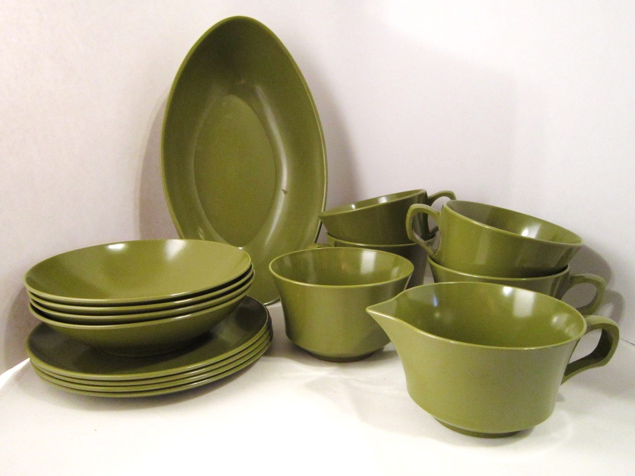 15 piece set allied chemical melamine dishes avocado green for Cuisine melamine