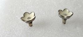 "Vintage 3D White Enamel Silver Tone Flower Stud Earrings 0.5"" Diameter - $12.73"