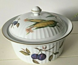 Royal Worcester England Evesham Gold Ribbed Covered Casserole 3 QT LN - $74.24