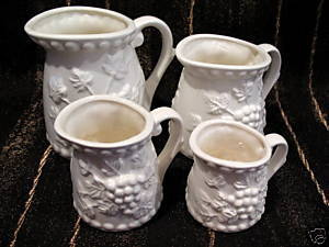 Vintage 4 Piece MEASURING CUP CUPS SET RAISED GRAPES Collector Collectibles