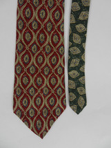 Tommy Hilfiger Mens Neck Tie Red Geometric with Green Coordinating Fabric Silk - $19.00