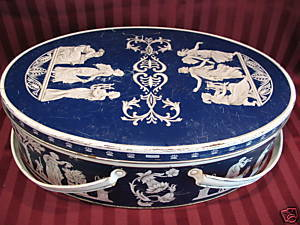 Vintage HUNTLEY and PALMERS Biscuit Tin WEDGWOOD and  SONS Picture Souvenir