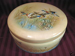 Vintage MACFARLANE LANG Biscuits Cookie Tin MALLARD DUCKS Hunting Souvenir