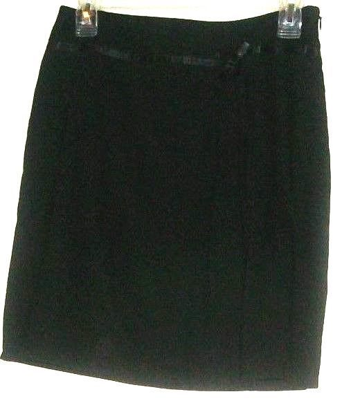 cac3e11d74 Black Detail Fitted Waist Skirt Size 4P Ann and 50 similar items