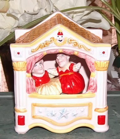 Schmidt punch and judy music box