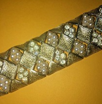 Coro Pegasus 1960s bracelet vintage faux pearls crystals 7 3/8 inch - $40.00