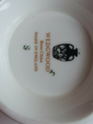 Wedgwood Caroline 14 Soup Cups & Saucers Bone China Made in England White Green image 3