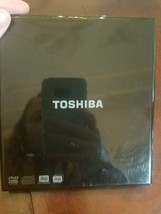 Toshiba External Supermulti Drive Model PA3761U-1DV2 + USB cable & software - $49.86