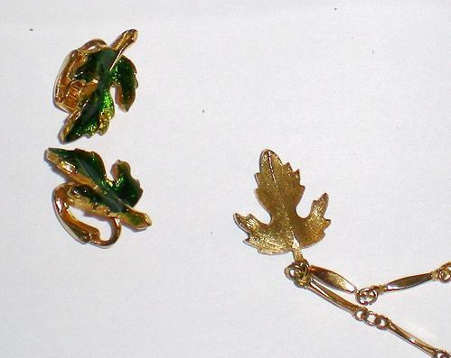 Green enamel gold necklace clip on earrings 1980s