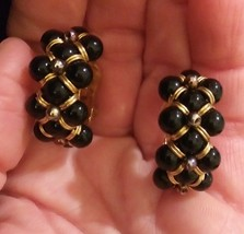 Vintage Black Bead Weave Gold Tone Clip-On Earrings, Beautiful! - $4.00
