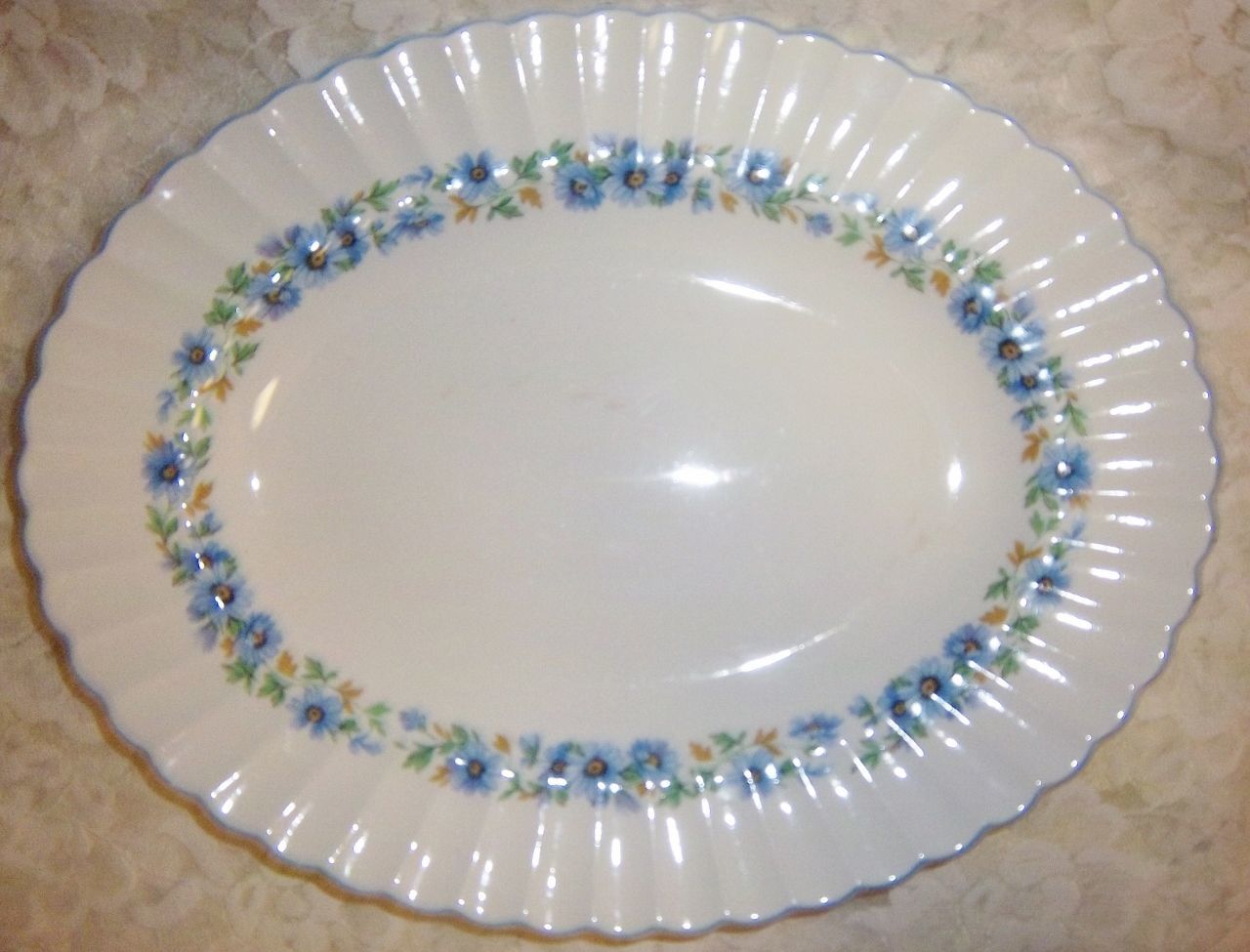 Thanksgiving-Christmas Alpine Mist Platter Meakin  - $12.99